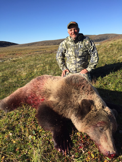 Alaska Grizzly Bear Hunt - Black River Hunting